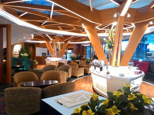 Бизнес-зал Premier Lounge