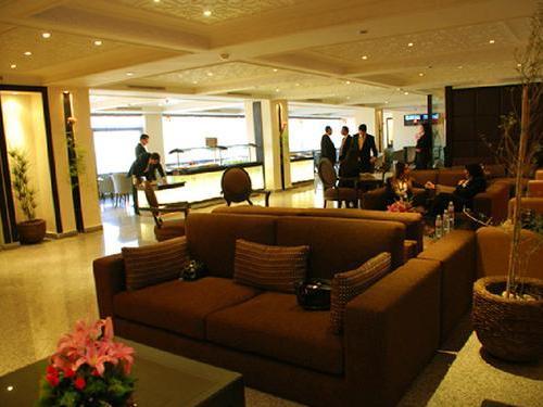 Бизнес-зал Salon VIP (зал вылетов)