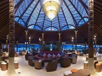 Бизнес-зал Blue Ribbon Club Lounge